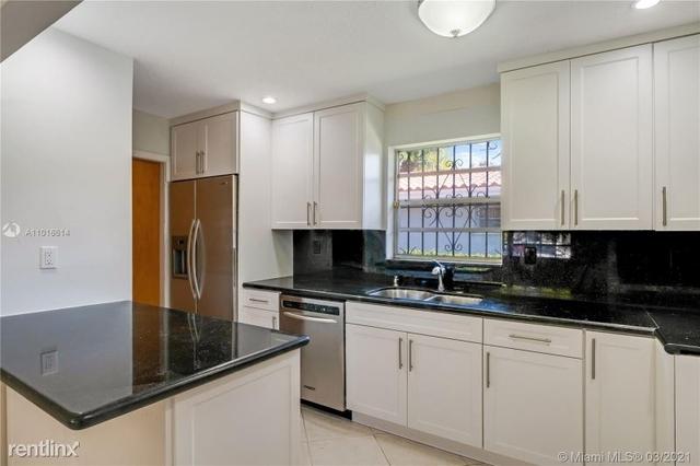 3 Bedrooms, Granada Rental in Miami, FL for $3,300 - Photo 1