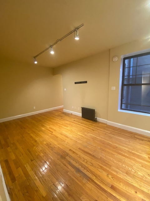 3 Bedrooms, East Village Rental in NYC for $3,895 - Photo 1