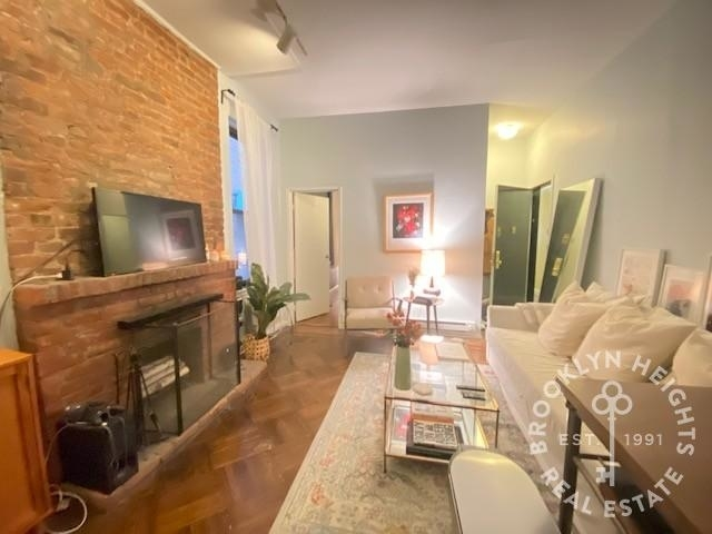 2 Bedrooms, Cobble Hill Rental in NYC for $2,795 - Photo 1