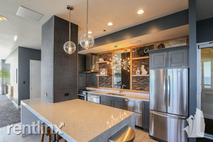 2 Bedrooms, Old Town Triangle Rental in Chicago, IL for $3,315 - Photo 1
