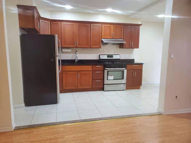 2 Bedrooms, Gravesend Rental in NYC for $1,750 - Photo 1