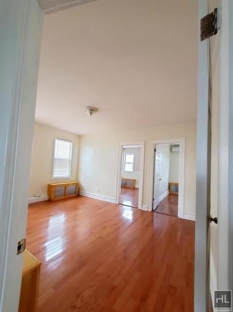 3 Bedrooms, Bensonhurst Rental in NYC for $2,200 - Photo 1