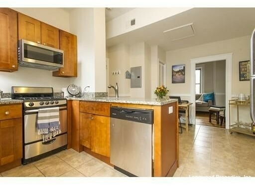 3 Bedrooms, Waterfront Rental in Boston, MA for $3,700 - Photo 1