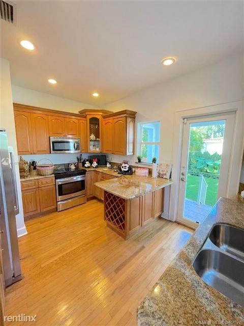 2 Bedrooms, Granada Rental in Miami, FL for $3,499 - Photo 1