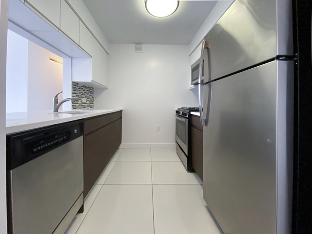 2 Bedrooms, Alphabet City Rental in NYC for $2,958 - Photo 1