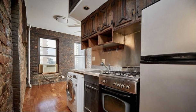 3 Bedrooms, Alphabet City Rental in NYC for $4,000 - Photo 1