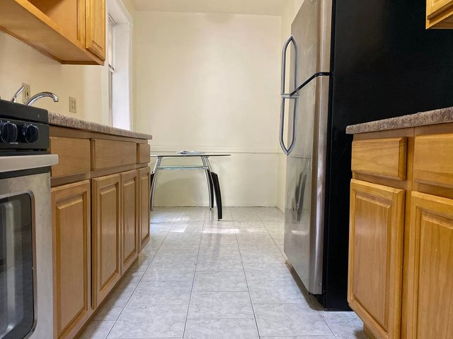 2 Bedrooms, Madison Rental in NYC for $2,200 - Photo 1