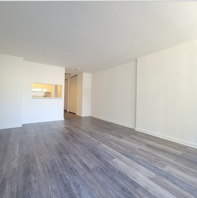 Studio, Hell's Kitchen Rental in NYC for $2,292 - Photo 1