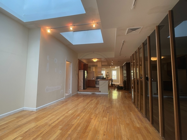 2 Bedrooms, SoHo Rental in NYC for $6,125 - Photo 1