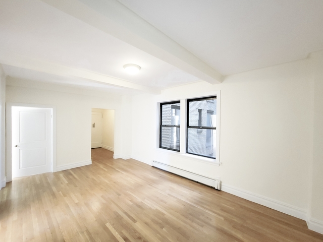 2 Bedrooms, Upper West Side Rental in NYC for $4,583 - Photo 1