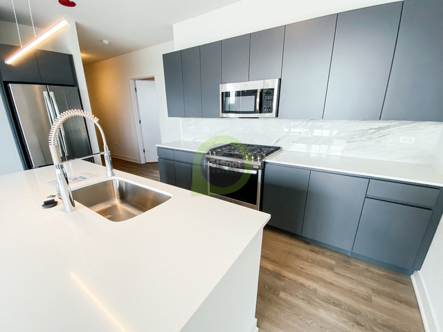 2 Bedrooms, River West Rental in Chicago, IL for $2,824 - Photo 1
