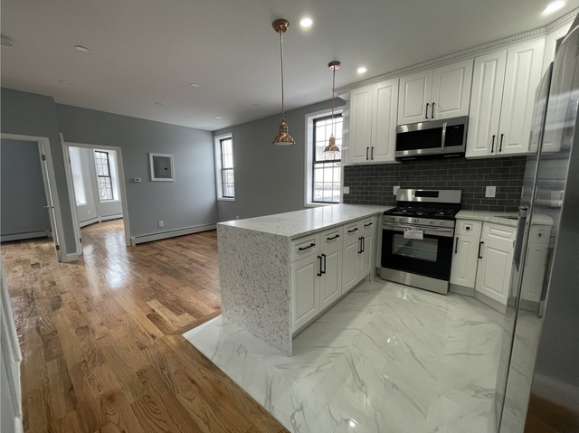 3 Bedrooms, Glendale Rental in NYC for $2,600 - Photo 1