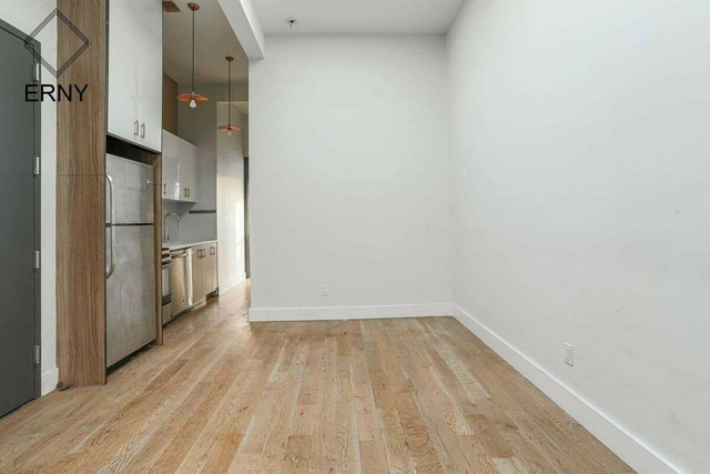4 Bedrooms, Ridgewood Rental in NYC for $2,594 - Photo 1