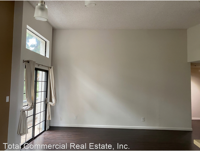 2 Bedrooms, Central Hollywood Rental in Los Angeles, CA for $2,225 - Photo 1