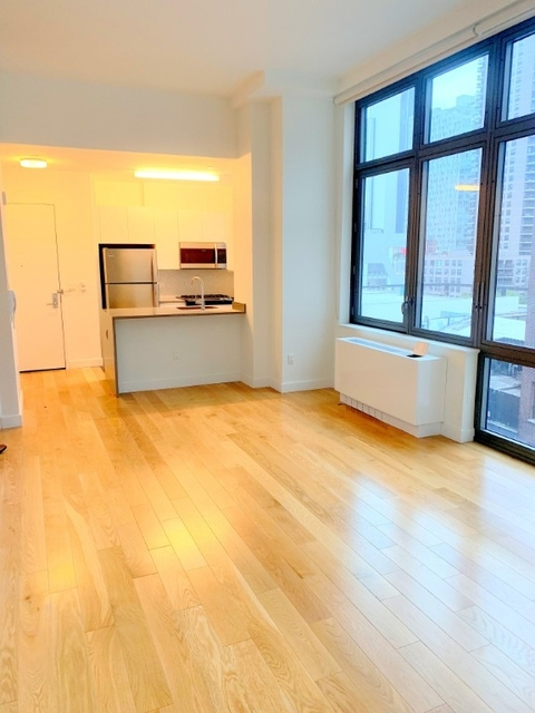 Studio, Hell's Kitchen Rental in NYC for $2,915 - Photo 1
