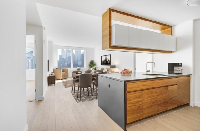 2 Bedrooms, Hell's Kitchen Rental in NYC for $5,160 - Photo 1