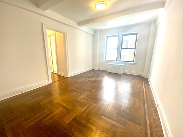 2 Bedrooms, Lincoln Square Rental in NYC for $4,430 - Photo 1
