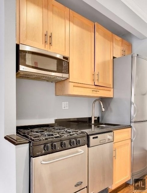 2 Bedrooms, East Village Rental in NYC for $4,995 - Photo 1