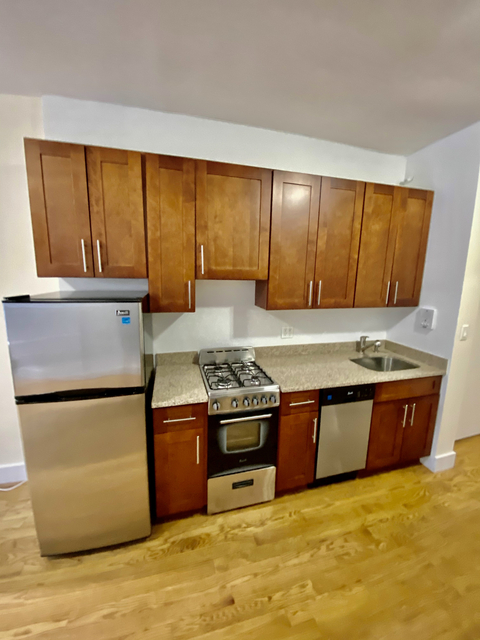 1 Bedroom, Upper East Side Rental in NYC for $1,875 - Photo 1