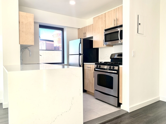 2 Bedrooms, Hell's Kitchen Rental in NYC for $4,996 - Photo 1