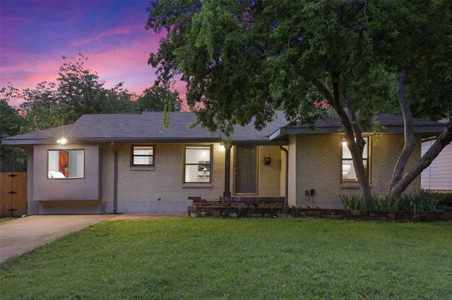 3 Bedrooms, Midway Hollow Rental in Dallas for $3,050 - Photo 1