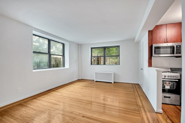 1 Bedroom, Jackson Heights Rental in NYC for $2,394 - Photo 1
