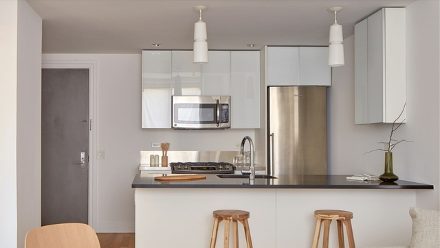 Studio, Hell's Kitchen Rental in NYC for $2,629 - Photo 1