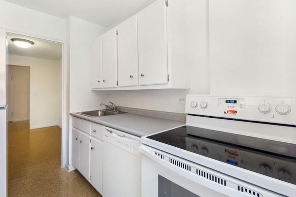 2 Bedrooms, LeFrak City Rental in NYC for $2,425 - Photo 1