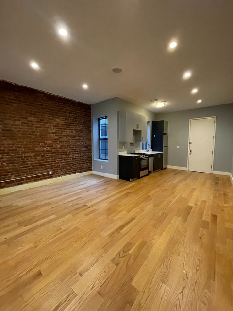 4 Bedrooms, Ridgewood Rental in NYC for $3,000 - Photo 1