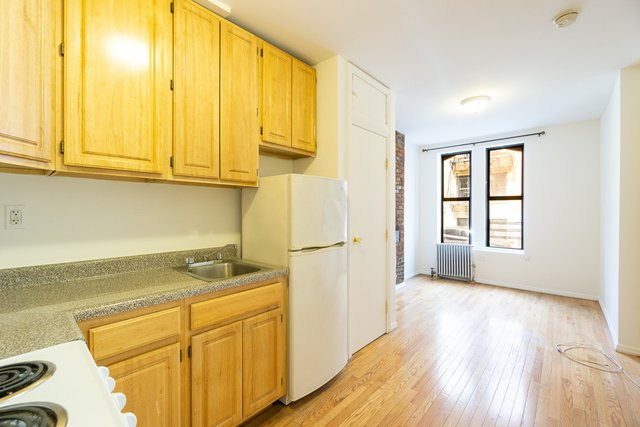 Studio, East Village Rental in NYC for $1,695 - Photo 1