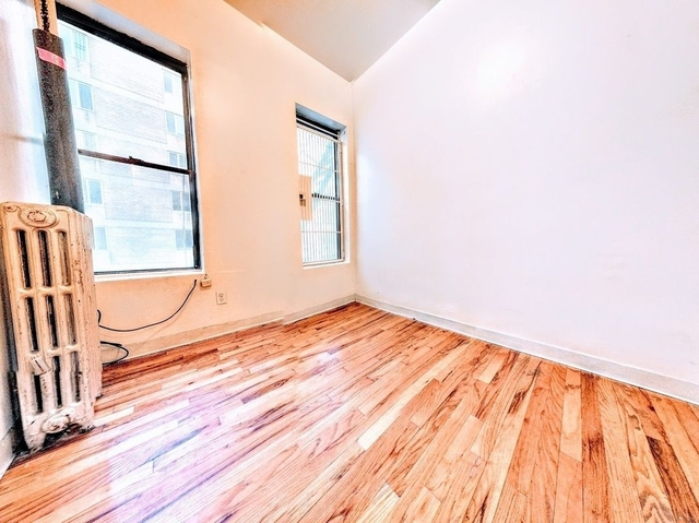 2 Bedrooms, East Village Rental in NYC for $2,200 - Photo 1