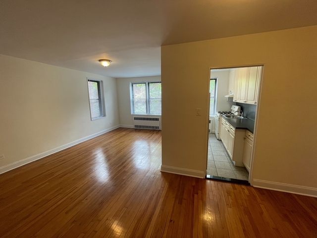 1 Bedroom, Jackson Heights Rental in NYC for $1,800 - Photo 1