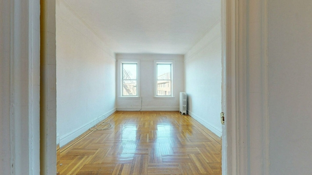 2 Bedrooms, Inwood Rental in NYC for $2,300 - Photo 1