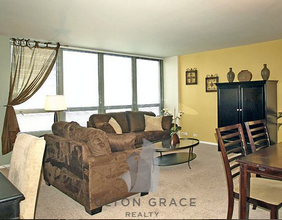 2 Bedrooms, Lake View East Rental in Chicago, IL for $2,600 - Photo 1