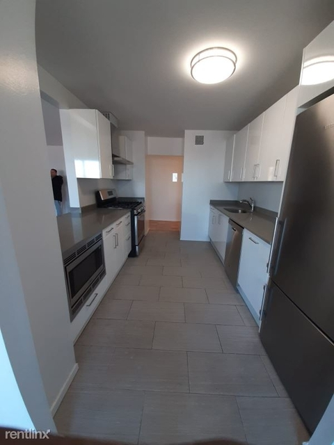 1 Bedroom, South Corona Rental in NYC for $1,670 - Photo 1