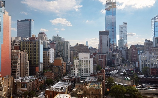 3 Bedrooms, Hell's Kitchen Rental in NYC for $5,320 - Photo 1