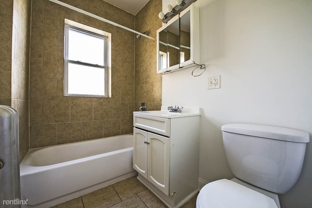 2 Bedrooms, Chatham Rental in Chicago, IL for $895 - Photo 1