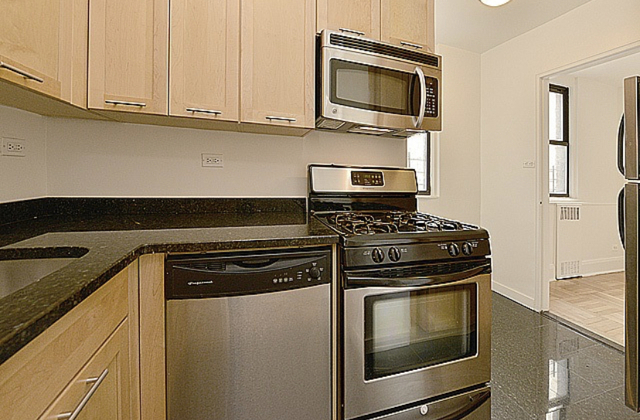 1 Bedroom, Yorkville Rental in NYC for $3,042 - Photo 1