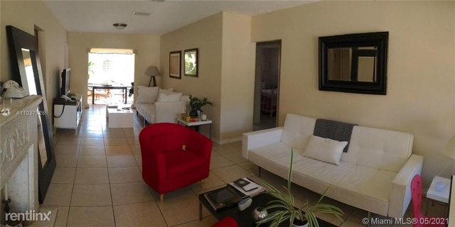3 Bedrooms, Tamiami Place Rental in Miami, FL for $2,900 - Photo 1