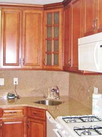 3 Bedrooms, Elmhurst Rental in NYC for $2,775 - Photo 1