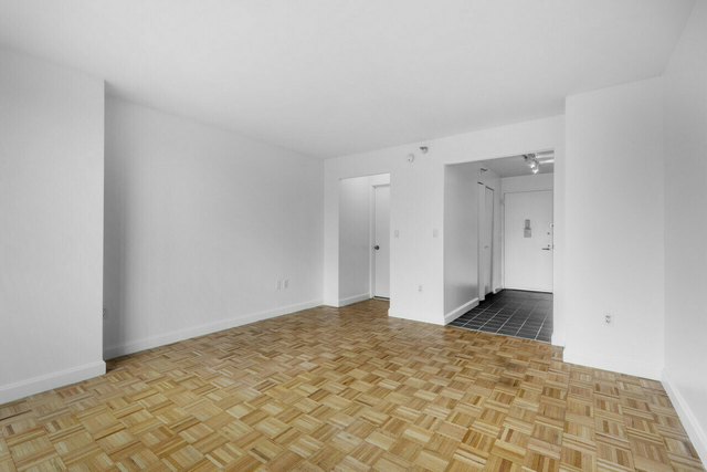 Studio, Hell's Kitchen Rental in NYC for $1,995 - Photo 1