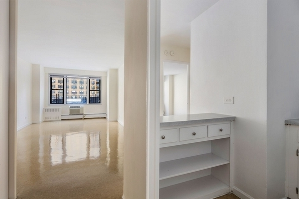 1 Bedroom, South Corona Rental in NYC for $1,703 - Photo 1
