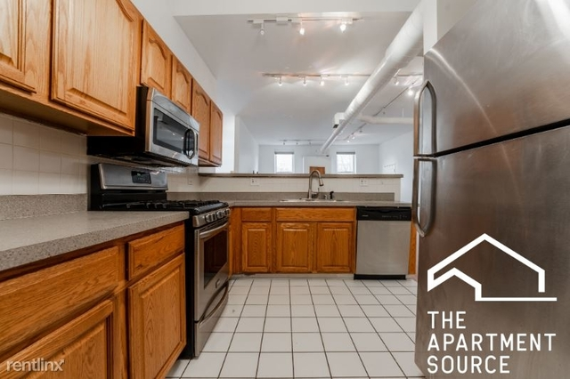 3 Bedrooms, Roscoe Village Rental in Chicago, IL for $2,850 - Photo 1