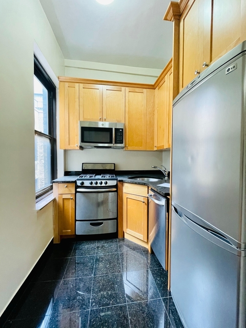 Studio, East Village Rental in NYC for $2,615 - Photo 1