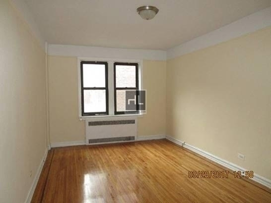 2 Bedrooms, Jackson Heights Rental in NYC for $2,300 - Photo 1