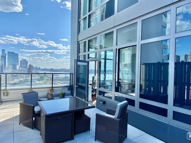 3 Bedrooms, Hell's Kitchen Rental in NYC for $8,700 - Photo 1