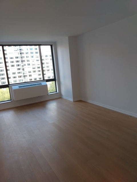 Studio, Lincoln Square Rental in NYC for $2,595 - Photo 1