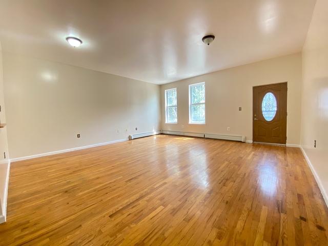1 Bedroom, Bushwick Rental in NYC for $2,400 - Photo 1