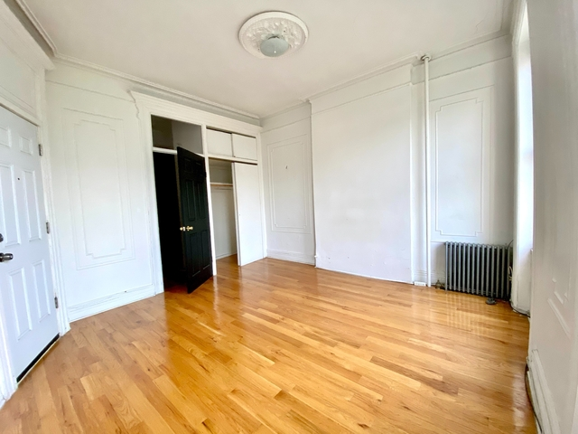 2 Bedrooms, Greenpoint Rental in NYC for $2,760 - Photo 1