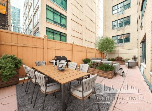 4 Bedrooms, Turtle Bay Rental in NYC for $7,975 - Photo 1